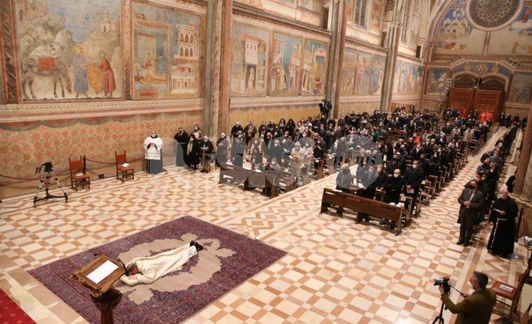 Mauro Gambetti vescovo: celebrazione solenne nella Basilica di San Francesco (foto+video)
