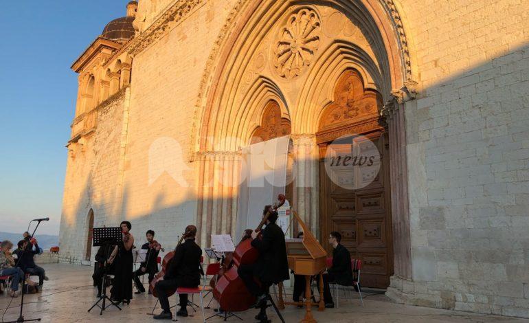 Assisi saluta l'estate: concerto all'alba 2018 alla Basilica di San Francesco (foto-video)