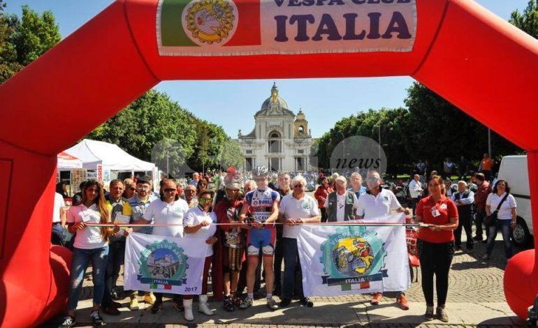 Oltre 700 vespisti per il primo raduno del Vespa Club Assisi