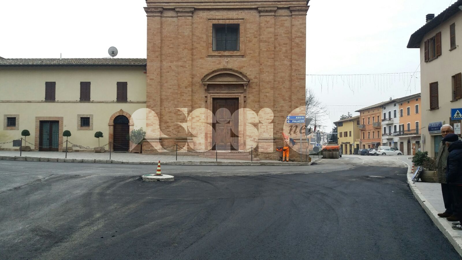 Lavori su Piazza S. Pietro a Petrignano, Rino Freddii ancora critico