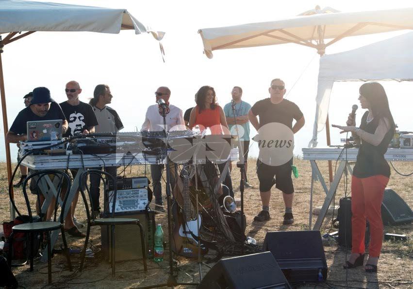 Lo soffia il cielo, le foto del concerto agli Stazzi con dj Ralf e Ciammarughi