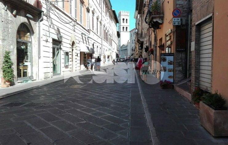 Verifiche su occupazione suolo pubblico ad Assisi, le spiegazioni della giunta
