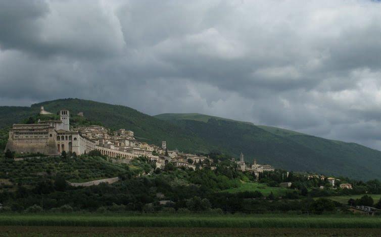 Danni indiretti sisma su comparto turistico, appello Regione sostenuto da Assisi