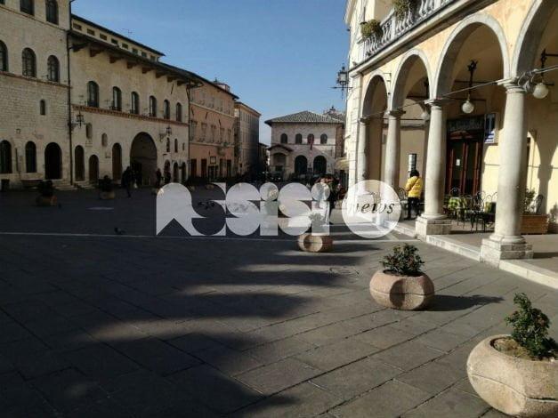 Occupazione suolo pubblico ad Assisi, sabato mattina incontro giunta-commercianti