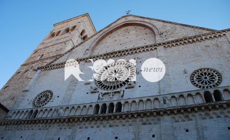 """Don Cesare Provenzi: """"Ad Assisi vendono libri a mio nome, ma è una truffa"""""""