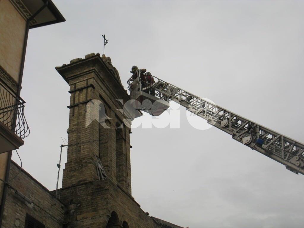 Tordandrea di Assisi, rubano uno scalandrino e lo nascondono nel campanile