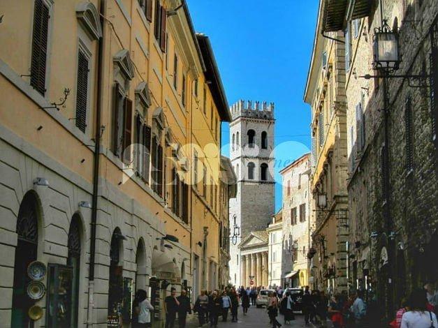 Pasqua sicura ad Assisi: processione del Venerdì Santo sorvegliata