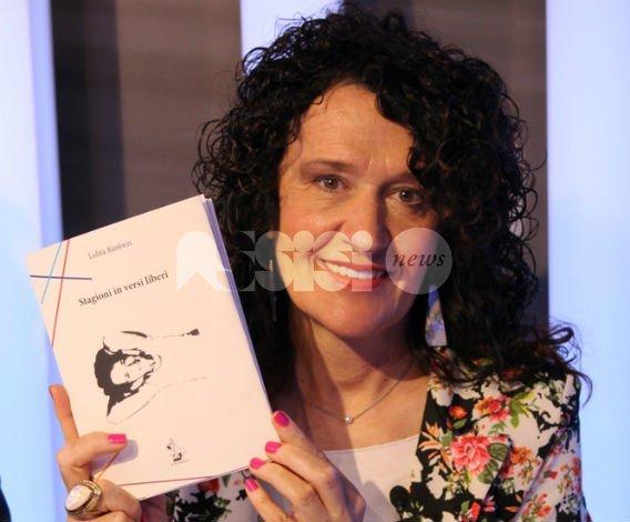 Lolita Rinforzi presenta ad Assisi Stagioni in versi liberi: ingresso libero
