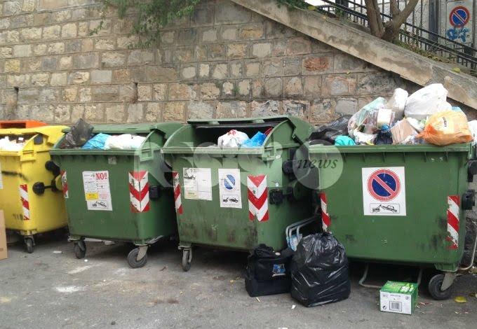 Rifiuti, a Bastia Umbra 8 sanzioni grazie alle foto-trappole: 4 solo per un cittadino
