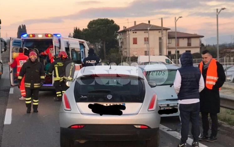 Bastia Umbra, scontro sulla Centrale Umbra: una persona in ospedale