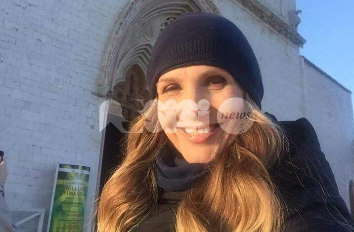 "Lorella Cuccarini ad Assisi, selfie davanti a San Francesco: ""Un luogo unico"""