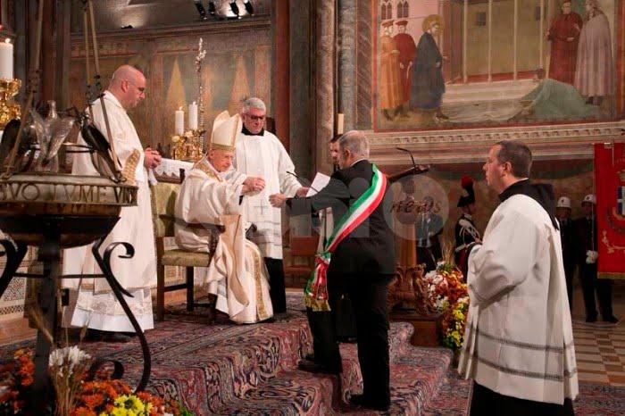 Quattro ottobre San Francesco di Assisi festa nazionale: la città ci prova