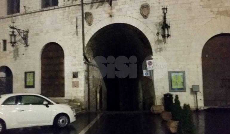 """Luci spente ad Assisi, appello a Comune e Enel: """"Controllate la rete"""""""