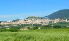"""FdI Assisi lancia un'interrogazione sui """"conflitti di interesse"""" del segretario comunale"""