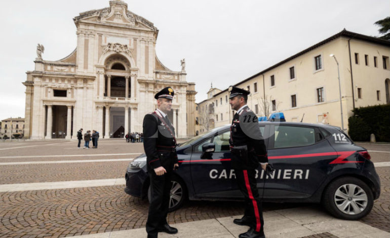 I Carabinieri arrestano un pusher a Santa Maria degli Angeli