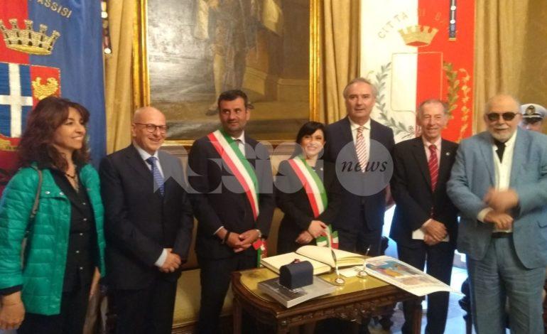Assisi e Bari insieme per cultura e turismo, nel segno della religione