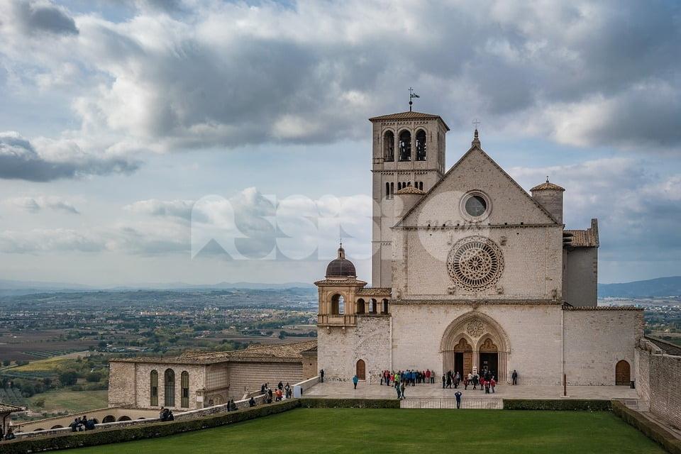 """#IoStoConMattarella anche dai Frati di Assisi: """"Momento delicato per il Paese"""""""