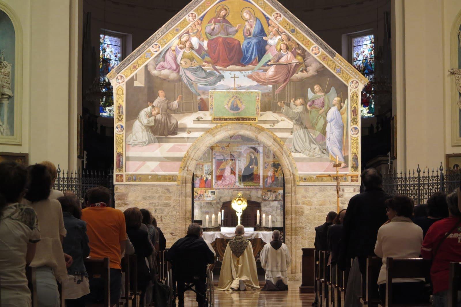 Festa grande a Santa Maria degli Angeli per l'ordinazione di sei frati
