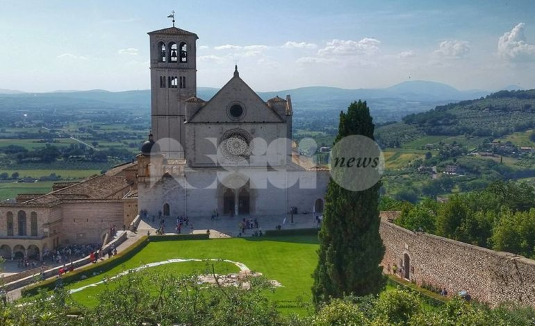 C'è anche Assisi in Sei in un Paese meraviglioso con Vergassola e Morise