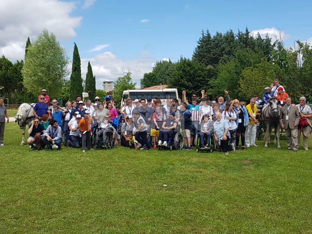 A Gubbio disabili in carrozza con i Rotary umbri e il Vetturino Christian