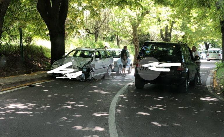 Assisi, incidente a Porta Sementone: scontro tra auto, traffico in tilt