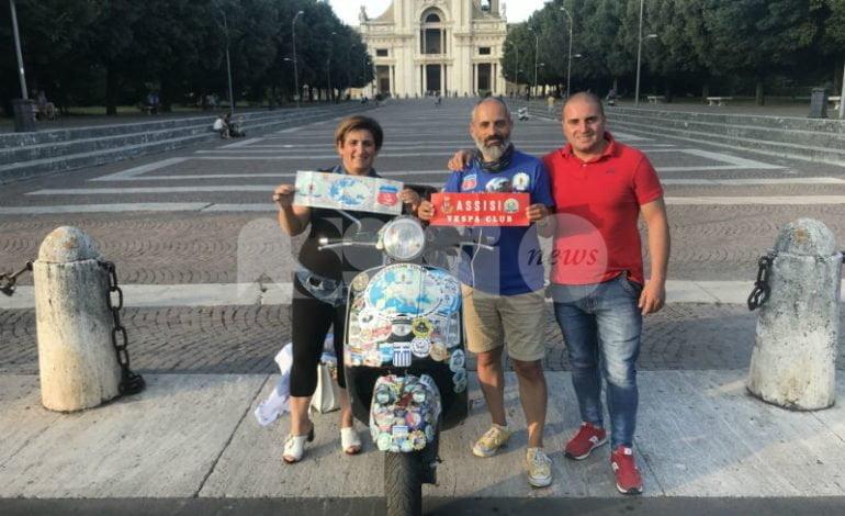 Il Vespa Club Assisi accoglie vespisti da tutto il mondo