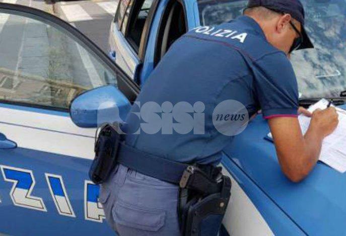 Parcheggiatori abusivi, la Polizia denuncia due persone ad Assisi