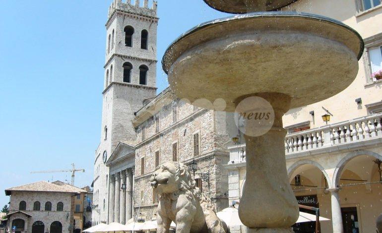 Aperto l'infopoint di Universo Assisi 2018 in Piazza del Comune