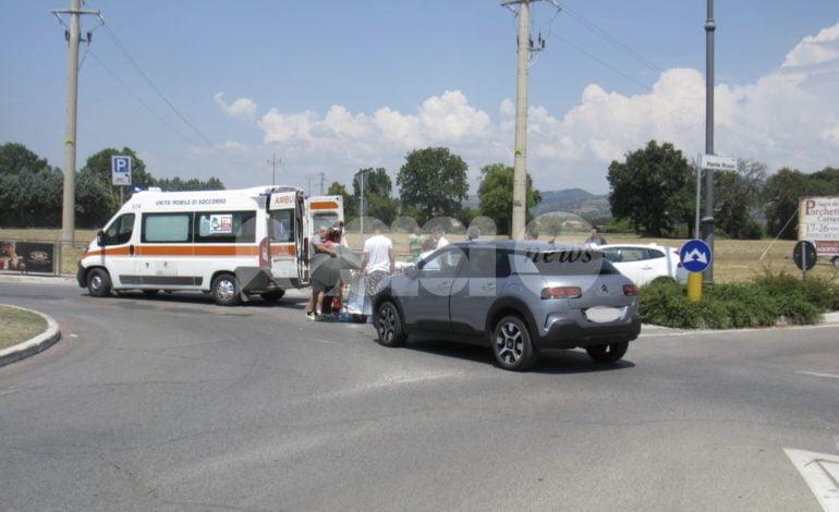Scontro tra motorino e auto a Santa Maria degli Angeli, un ferito in ospedale
