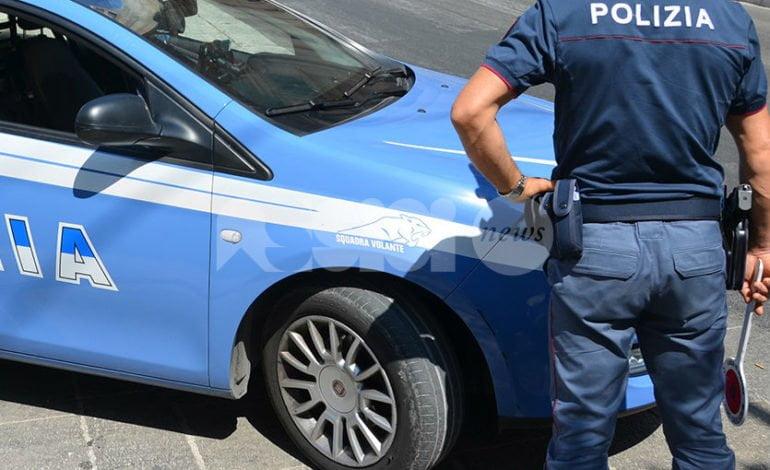 Parcheggiatori e venditori abusivi, giro di vite a Santa Maria: in due nei guai