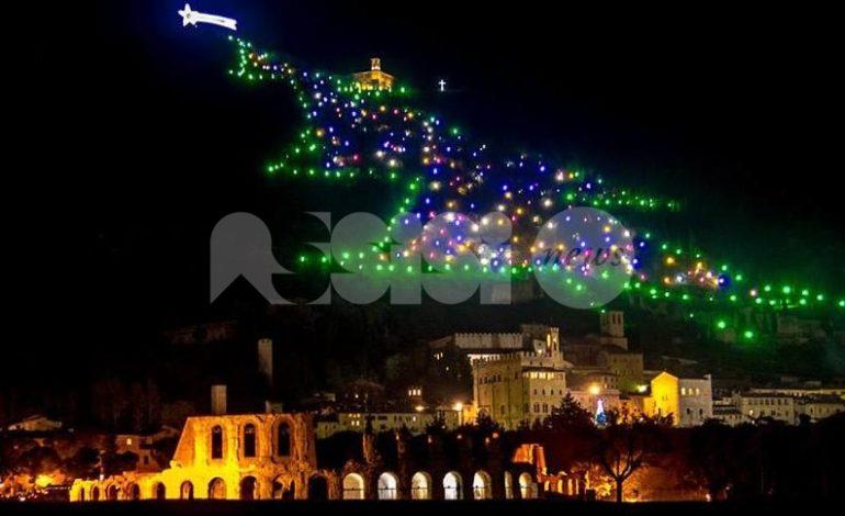Albero Di Natale Gubbio.Natale A Gubbio 2018 2019 Il Programma Albero E Mercatini Protagonisti Assisinews