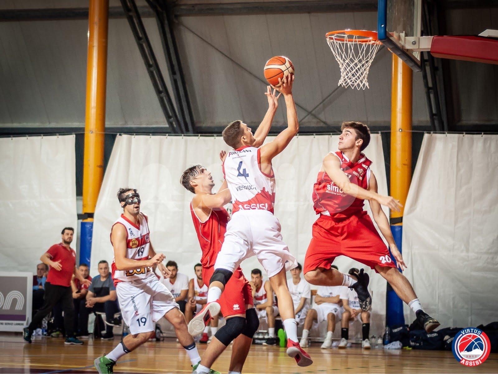 La Virtus Assisi batte anche il Basket Tolentino 87-71 e vola in vetta