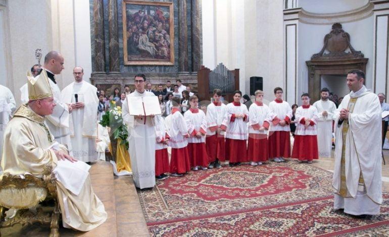Nuovi parroci a Bettona, il saluto del sindaco a don Crivelli e don Fasolini