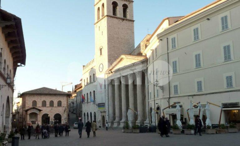 Dipendente comunale di Assisi licenziata, stop al maxi-risarcimento: palla alla Corte Costituzionale