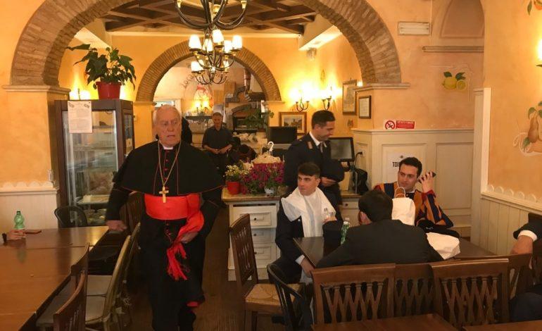 Alfiero Toppetti, un assisano nel film Netflix su Benedetto XVI e Papa Francesco (foto+video)