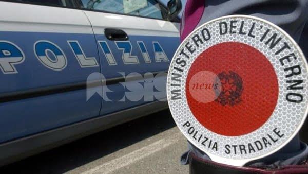 Controlli straordinari per la sicurezza stradale, tre denunce della Polizia di Stato di Assisi