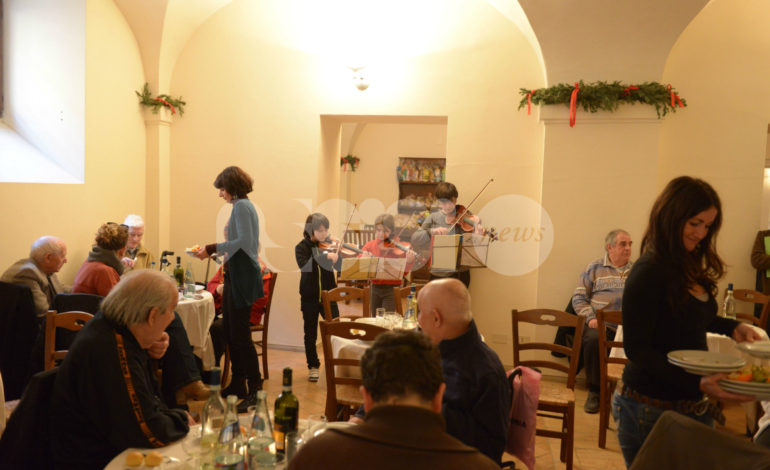 La vigilia di Natale alla società Fortini va in scena il Pranzo dell'Amicizia