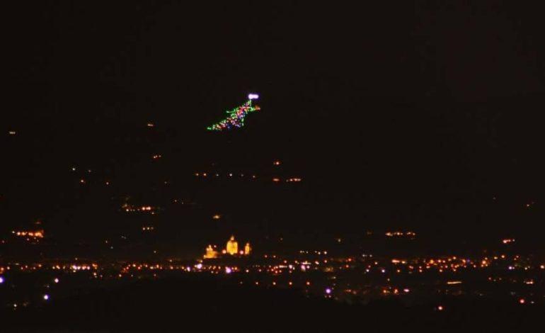 Assisi e Gubbio in una sola foto: a scattarla Massimo Pattumelli