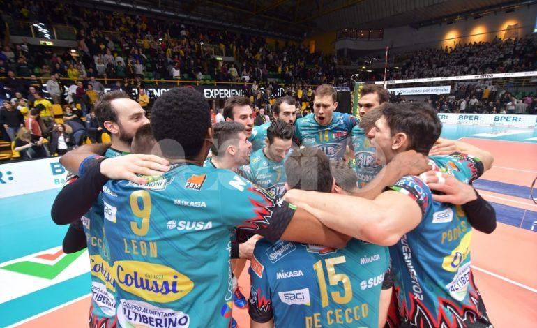 Volley, Sir Conad Perugia vince a Modena 3-1 e salda la vetta