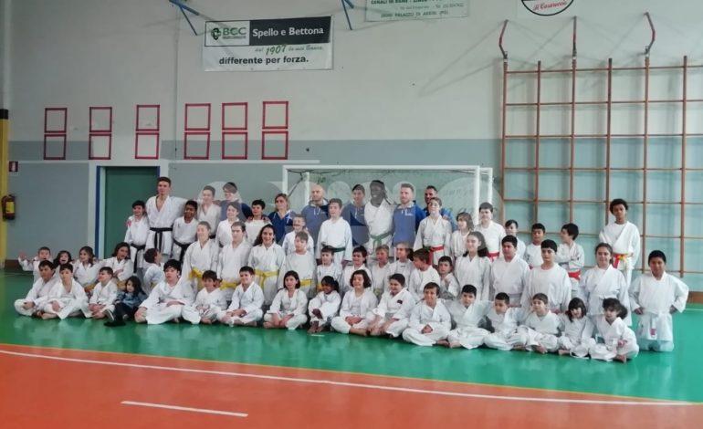Karate, per 50 atleti del TKS-Epyca il passaggio di cintura dopo gli esami