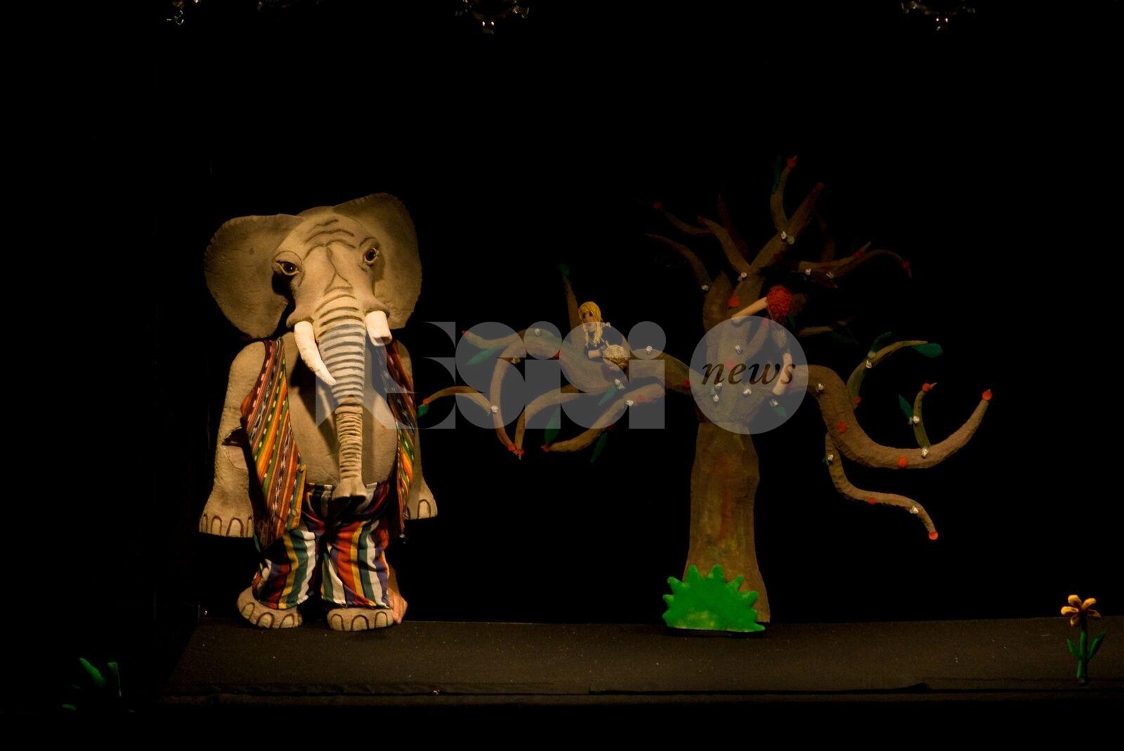 L'elefante smemorato e la papera ficcanaso agli Instabili di Assisi