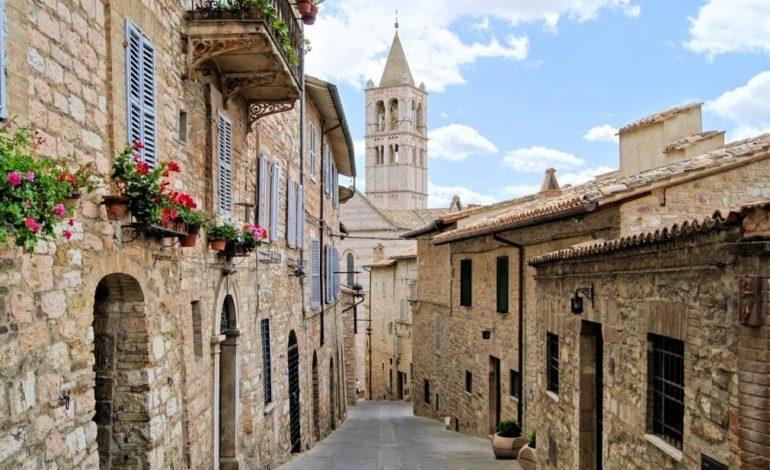 La giunta alle prese con il rebus centro storico di Assisi: prove di rivitalizzazione