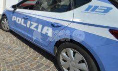 Prima fugge, poi aggredisce i poliziotti: arrestato 27enne a Santa Maria