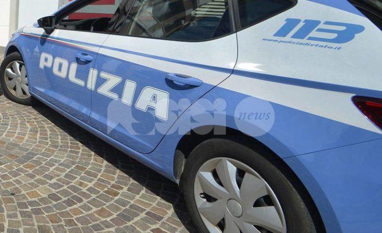 Ladro in 'trasferta' arrestato ad Assisi dalla Polizia: ricercato per rapina e furti