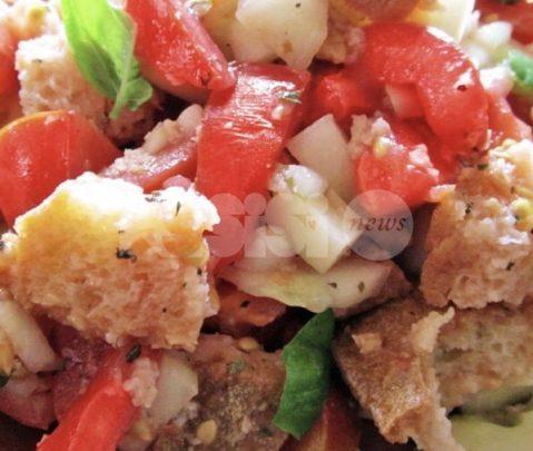 Le ricette tradizionali di una volta: la panzanella umbra