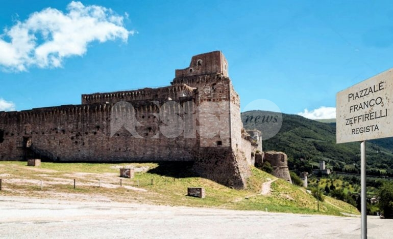 Il Piazzale della Rocca Maggiore sia intitolato a Franco Zeffirelli