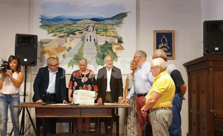 Le associazioni angelane donano tremila euro all'ospedale di Assisi