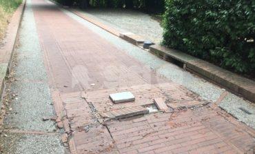 Mattonelle rotte sulla mattonata ad Assisi, interventi al via da oggi
