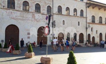 Uscieri e centralinisti esternalizzati (con paghe modeste): il M5S Assisi chiede chiarimenti