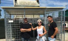 Lorena Secondini dona un nuovo box al canile comprensoriale di Assisi